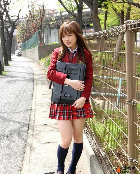 日本女生校服 社会图片