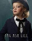 小孩抽烟图片