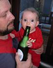 可爱宝宝喝酒