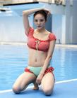 中国星跳跃美女泳装照