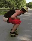 牛人搞笑玩滑板gif动态图片
