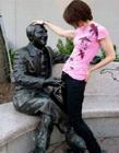 牛人与雕塑的猥琐事