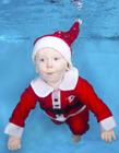 圣诞宝宝水下摄影