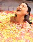 袁姗姗透明浴缸中泡澡照遭恶搞