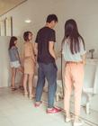 东莞大学生拍厕所创意毕业照