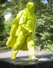 波兰建列宁撒尿雕像