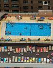 航拍美国富人屋顶游泳池