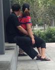 宁波公园中年妇女招揽老年人进行色情服务