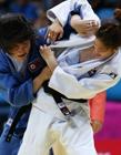 仁川亚运会柔道比赛,韩国柔道美女衣服被撕裂露内衣