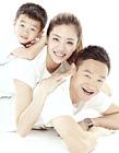 杨威携儿子杨阳洋老婆杨云一家三口拍摄写真