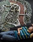 重庆小伙用5万枚硬币堆出重庆城