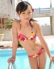 日本13岁小萝莉发育照片