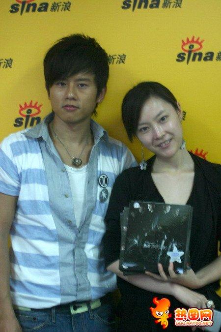 张杰与女明星合照