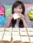 日本大胃王木下佑香 日本大胃王最新挑战6分钟吃100片面包视频