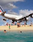 波音747贴着游客头顶 波音747贴头飞过