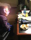 81岁老人被弃美国机场