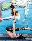 情侣瑜伽动作图片大全 国外情侣双人瑜伽图片