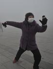 雾霾广场舞大妈 雾霾中跳舞的大妈