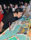 王思聪包岛跨年 与新欢享晚餐