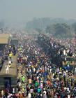 孟加拉国挤火车 孟加拉国的火车