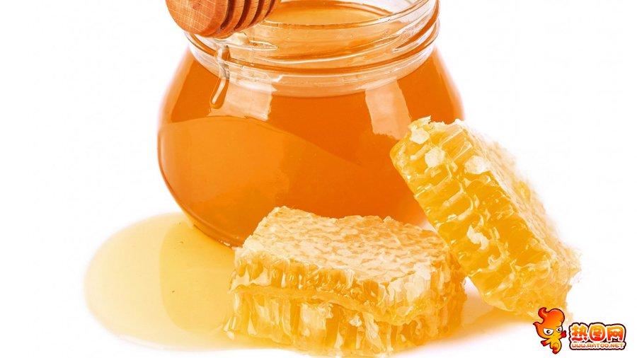 梦见吃蜂巢里的蜂蜜