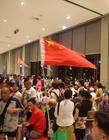 中国人海外疯狂购物 中国人在国外疯狂购物