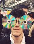眼镜光盘哥的gif图 眼镜光盘怎么玩 光盘侠动态图