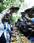 贵州500人鲟鱼长桌宴