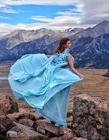 俄国美女自带华服环球旅行