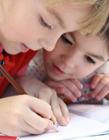 爱画画的儿童