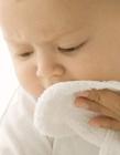 宝宝洗脸的图片