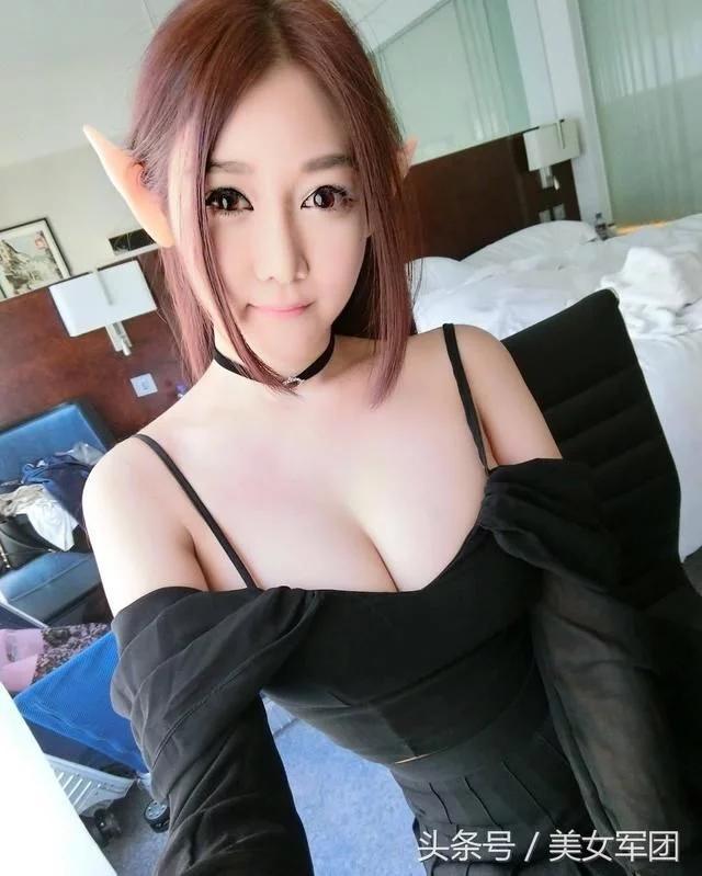 新加坡美女网红图片