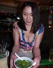 I罩杯巨乳美女老板娘早川贵子 不愧是男�潘孔畎�的拉面馆