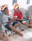 范玮琪双胞胎儿子近照 双胞胎萌娃带同款卡通帽子逗趣可爱