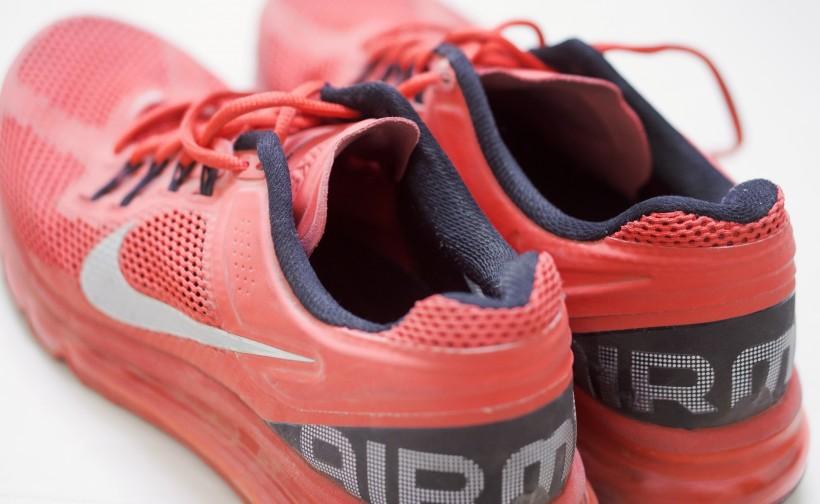 耐克运动鞋图片