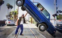 汽车创意广告设计海报图片