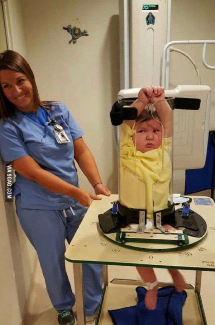 小孩子拍X光片的图片
